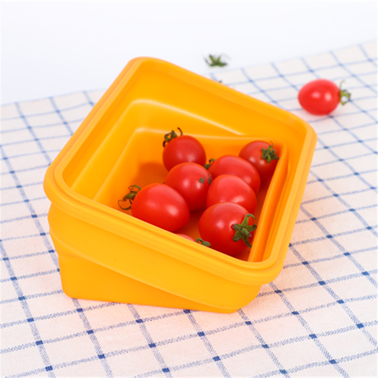 Traveling Square Silicone Airtight Foldable Container with Fork And Knife