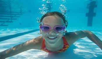 What to Watch for When Buying Swimming Goggles